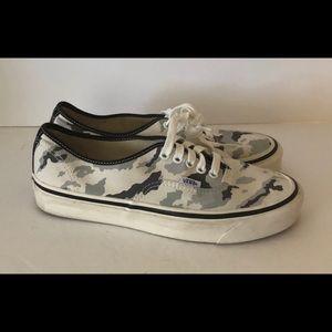 Vans Men's Skate Shoe Camo Print 7.5 Lace up